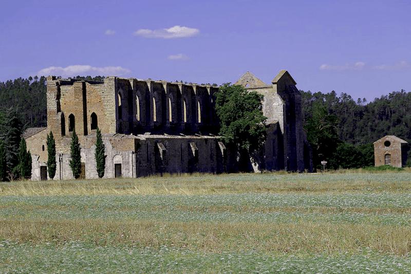 Conocer Italia y maravillarse de Abadia de San Galgano