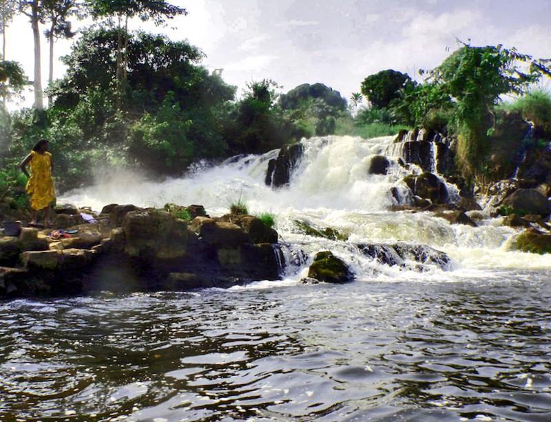 Conocer Camerun y descubrir de Cascadas de Lobe