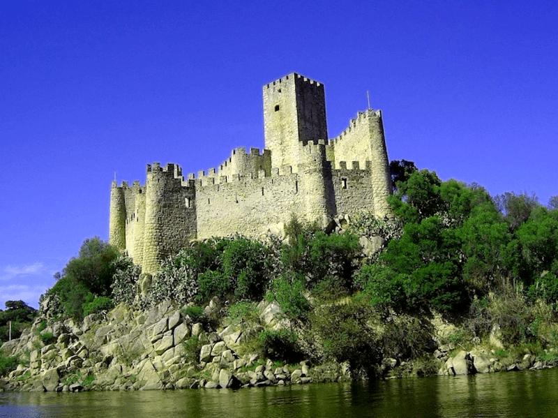 Ver Portugal y descubrir de Castillo de Almourol