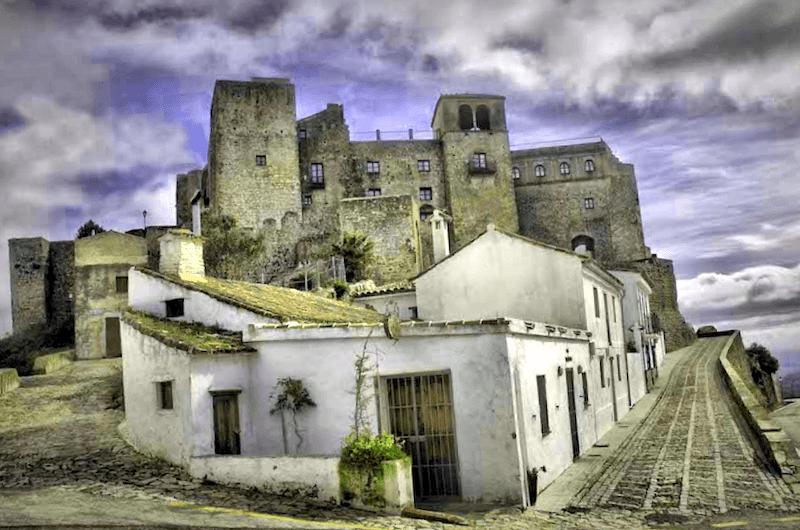 Castillo de Castellar Viejo que descubrir
