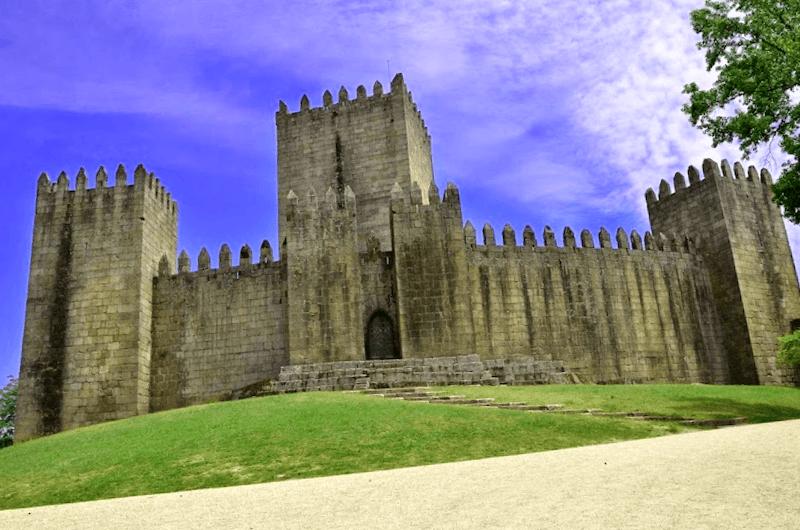 Castillo de Guimaraes que ver