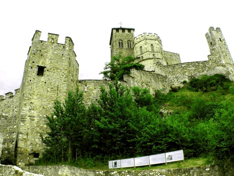 Que ver en Castillo de Valere