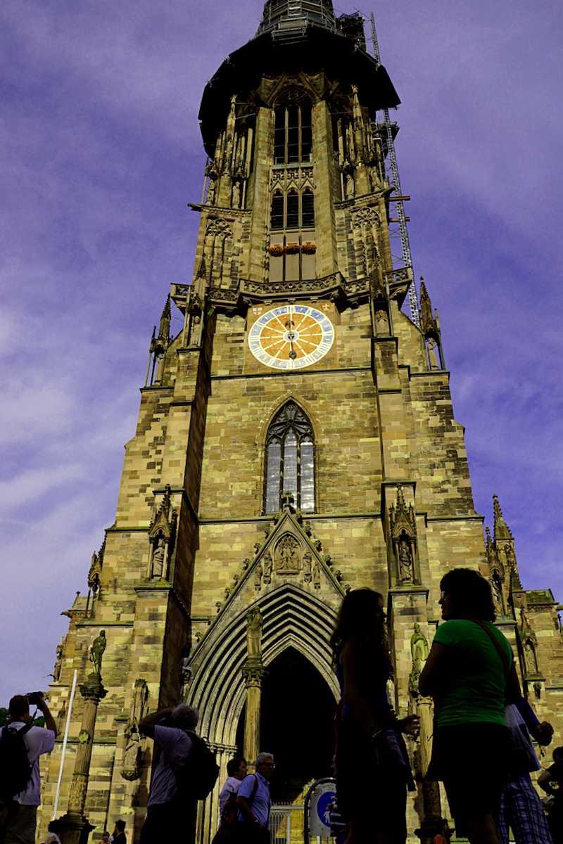 Visitar Alemania y maravillarse de Catedral de Friburgo
