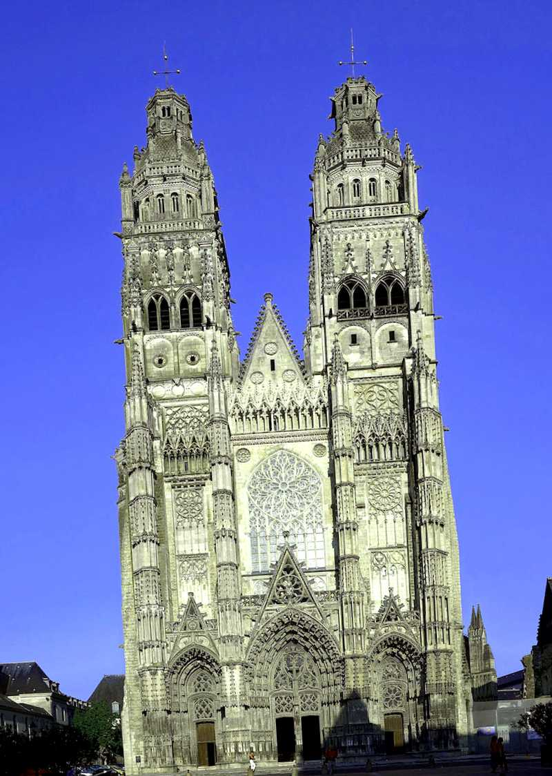 Catedral de Saint-Gatien que debemos ver