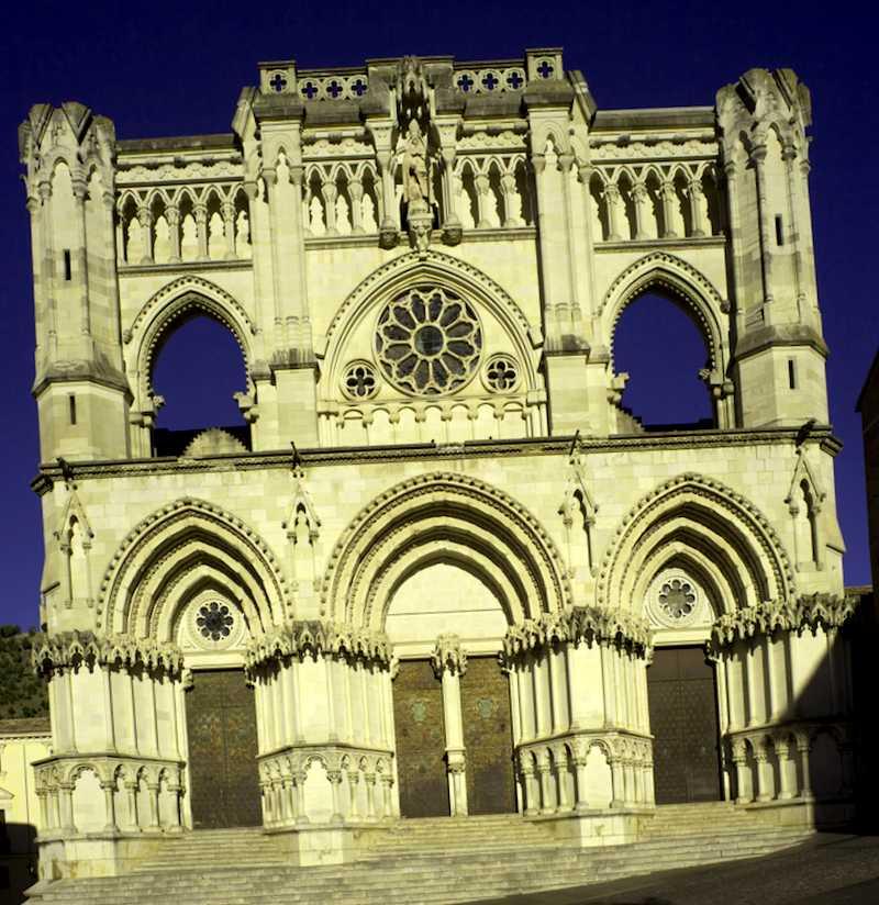 Conocer España y descubrir de Catedral de Santa Maria y San Julian