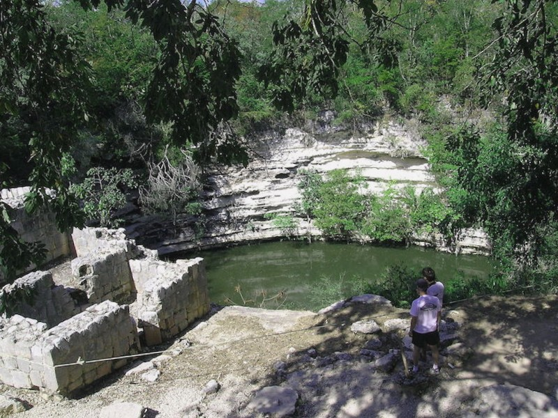 Que descubrir en Cenote Sagrado