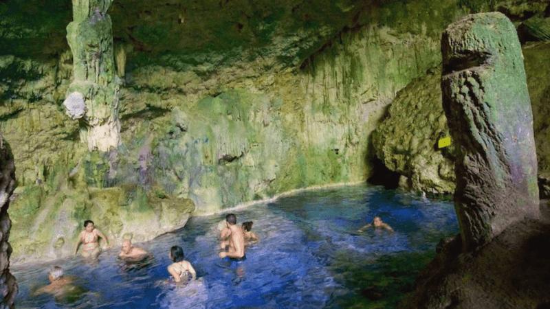 Ver Cuba y maravillarse de Cueva de Saturno