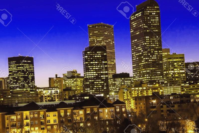 Visitar Edificio Metropolis al anochecer