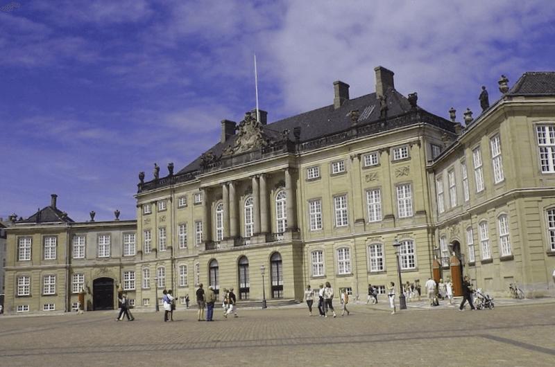 Conocer Dinamarca y descubrir de Entrada Palacio Amalienborg