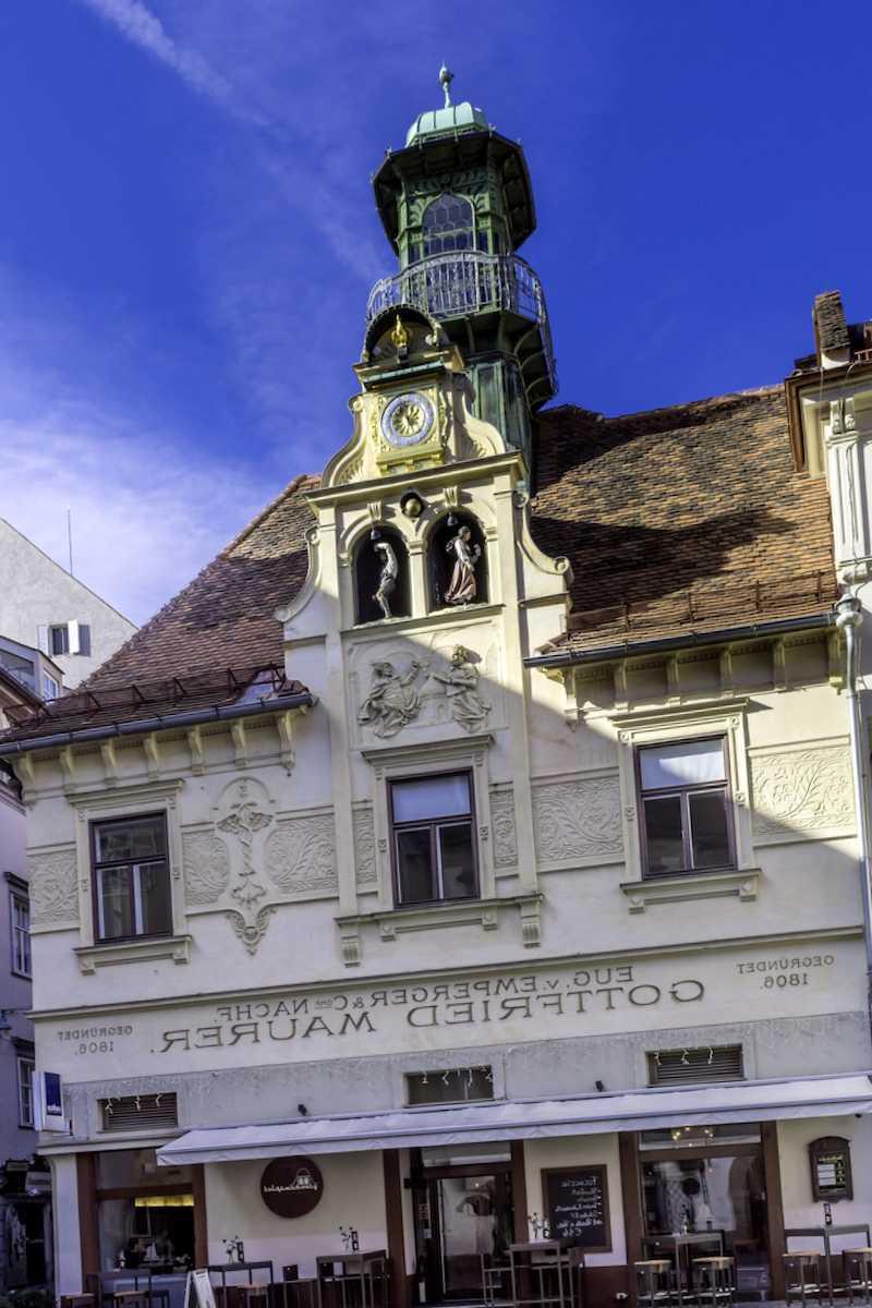 Conocer Glockenspielplatz de Graz