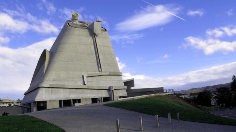Que visitar en Iglesia de Saint Pierre