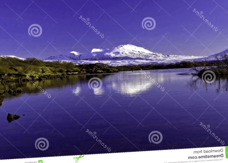 Visitar Islandia y descubrir de Lago de Pinguallavatn