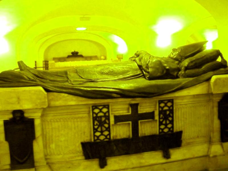 Mausoleo de los Papas que visitar