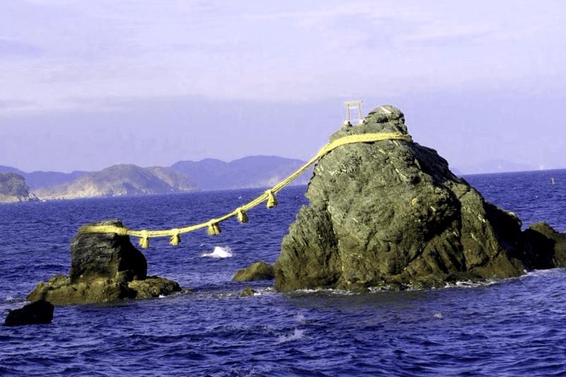 Visitar Japon y maravillarse de Meoto-Iwa
