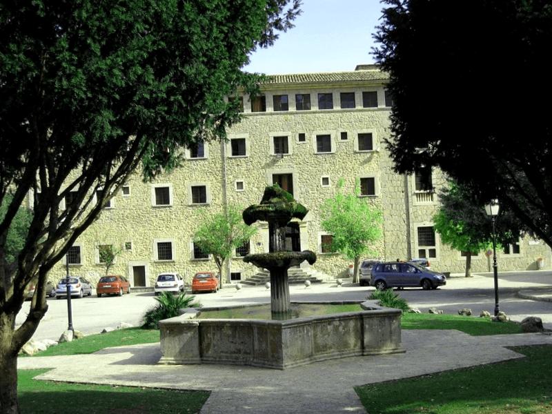 Conocer España y descubrir de Monasterio de Lluc