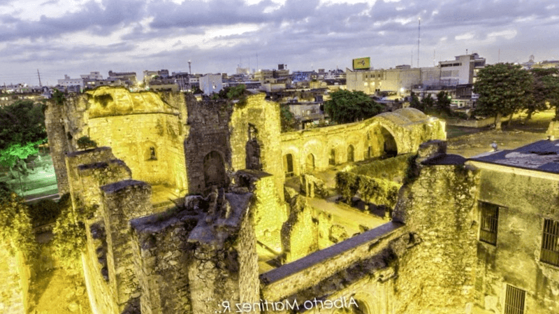 Conocer Ecuador y maravillarse de Monasterio de San Francisco