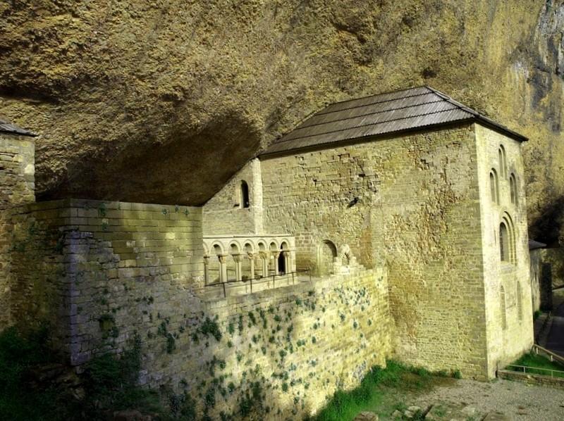 Monasterio de San Juan de la Pena que ver
