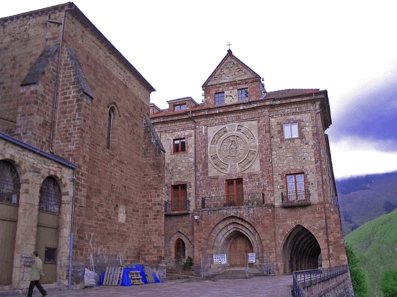 Ver España y descubrir de Monasterio de Valvanera