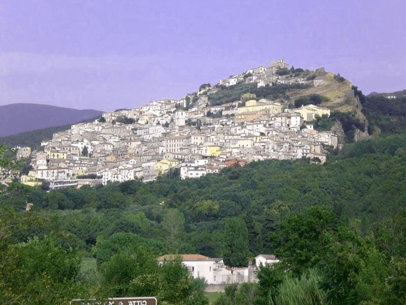 Conocer Italia y descubrir de Morcone