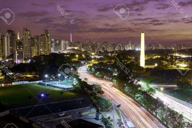 Visitar Brasil y descubrir de Parque Ibirapuera de noche