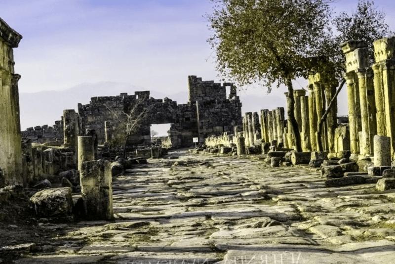 Ver Turquia y descubrir de Plateia de Hierapolis