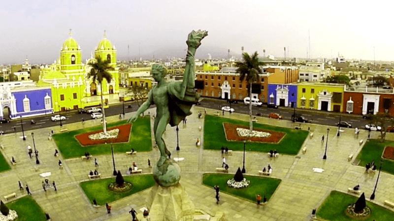 Ver Peru y descubrir de Plaza Mayor de Trujillo