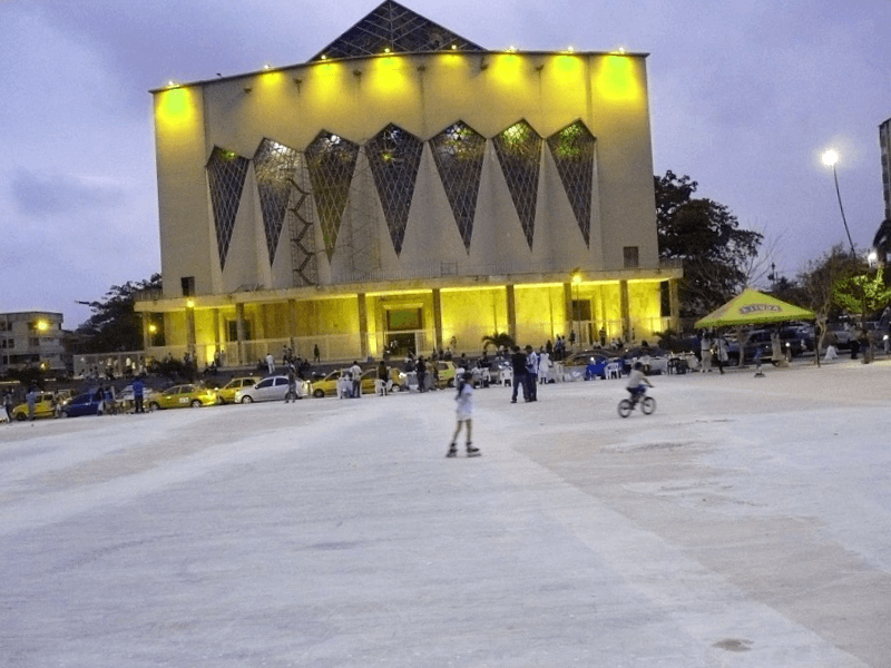 Conocer Mexico y maravillarse de Plaza de la Paz