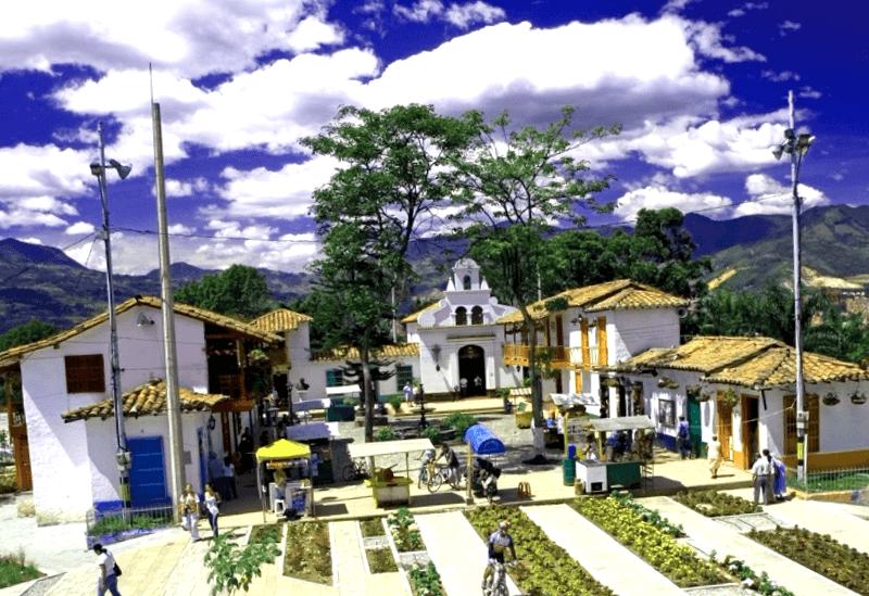 Ver Colombia y descubrir de Pueblito