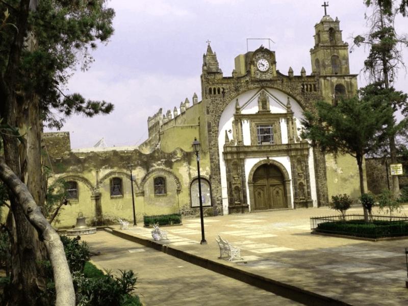 Templo de San Pedro Apostol que descubrir