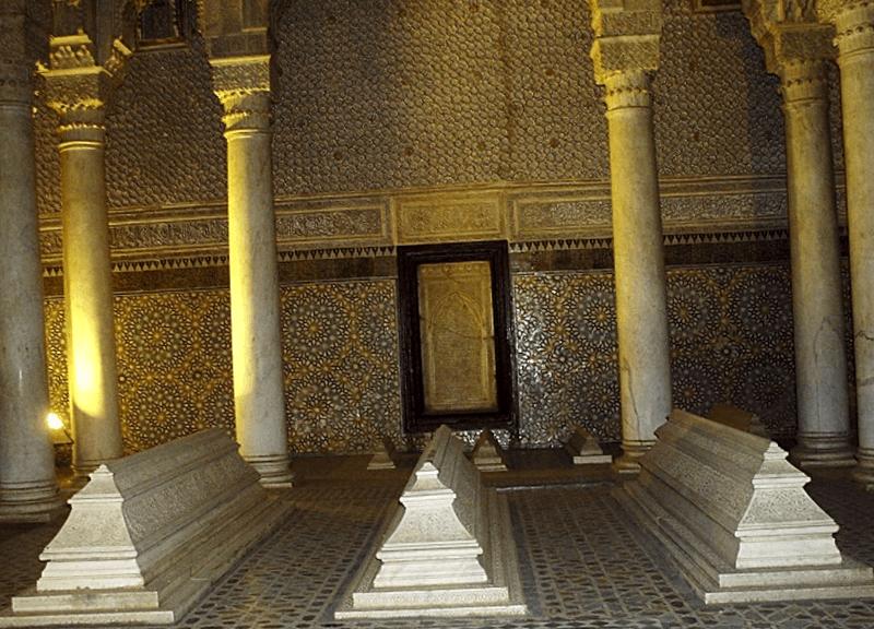 Conocer Marruecos y maravillarse de Tumbas Saadies