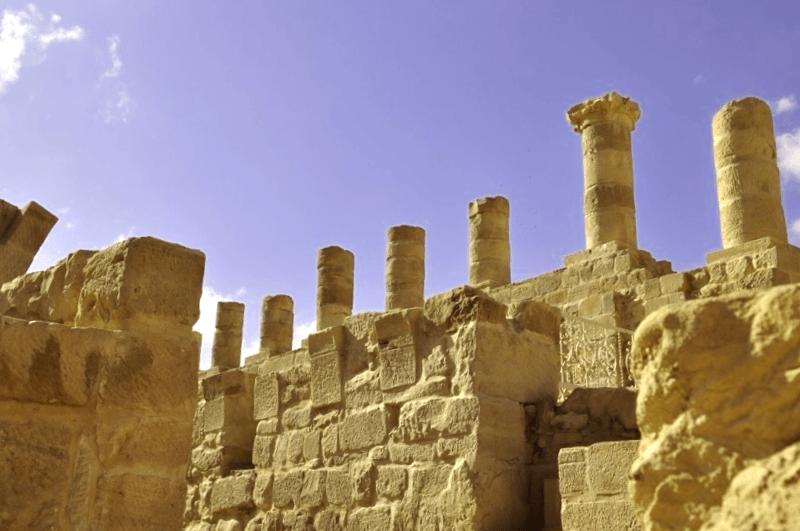 Visitar Amman y maravillarse de Via Columnada