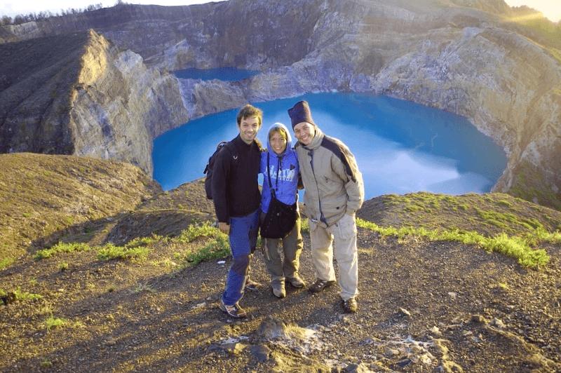 Visitar Indonesia y maravillarse de Volcan Kelimutu