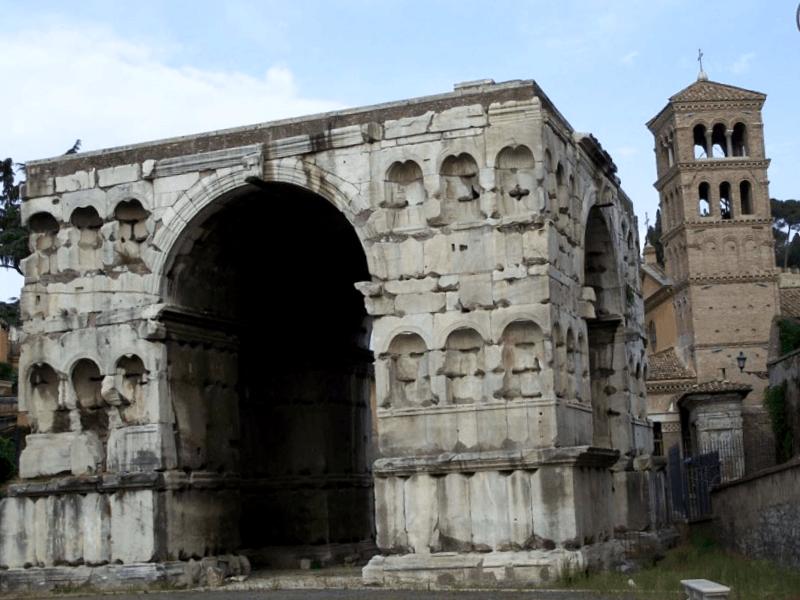 Visitar Italia y descubrir de Arco de Jano