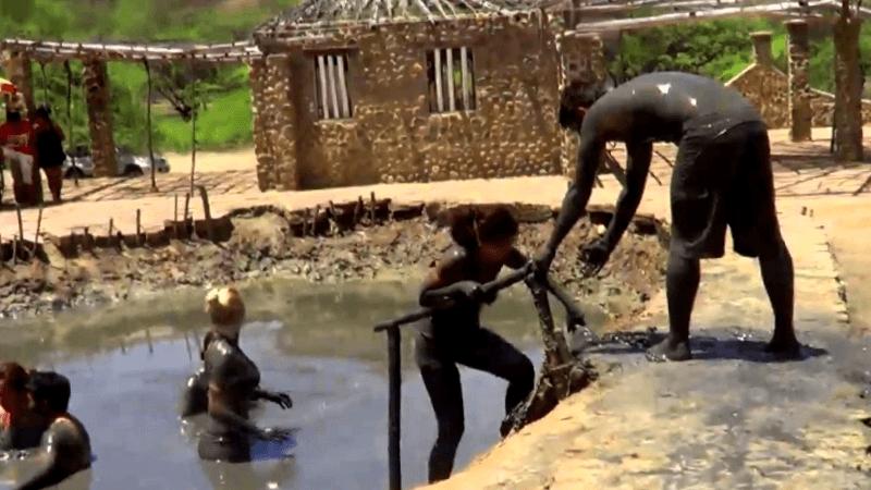 Visitar Peru y maravillarse de Banos termales Hervidero