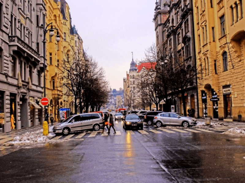 Visitar Republica checa y descubrir de Calle ParAs