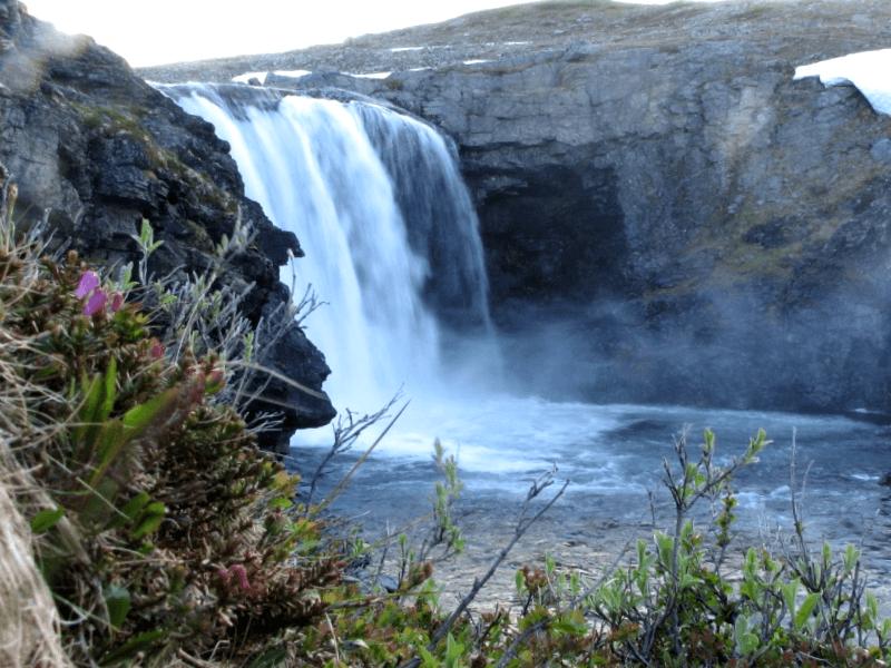Conocer Finlandia y maravillarse de Cascadas de Pihtsuskongas