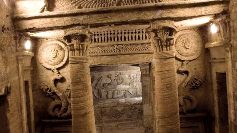 Ver Egipto y descubrir de Catacumbas Kom es-Shoqafa
