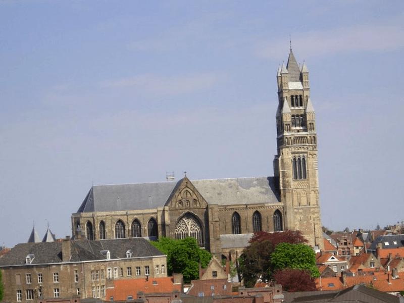 Que descubrir en Catedral de Brujas