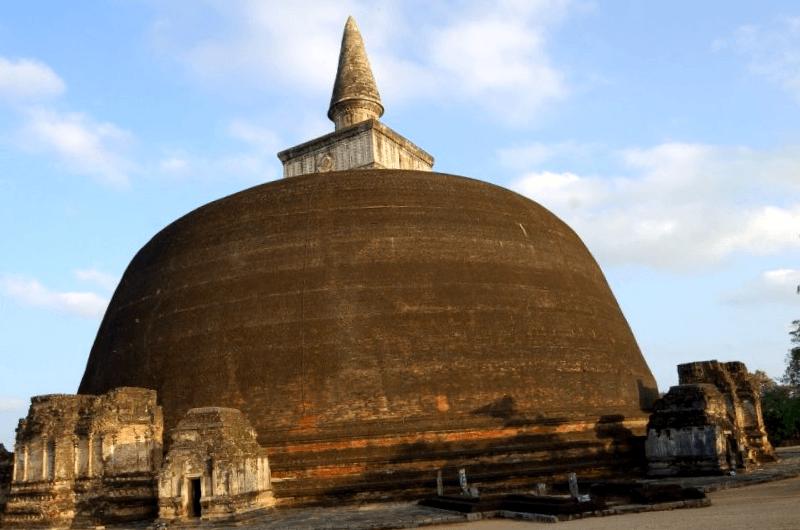 Que descubrir en Ciudad Santa de Anuradhapura