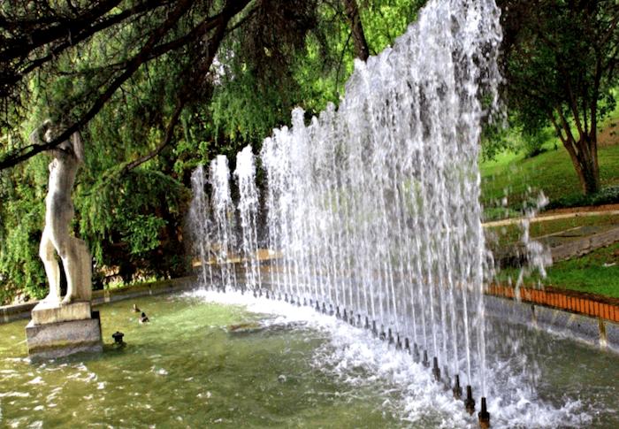Conocer España y maravillarse de Detalles del Parque del Oeste
