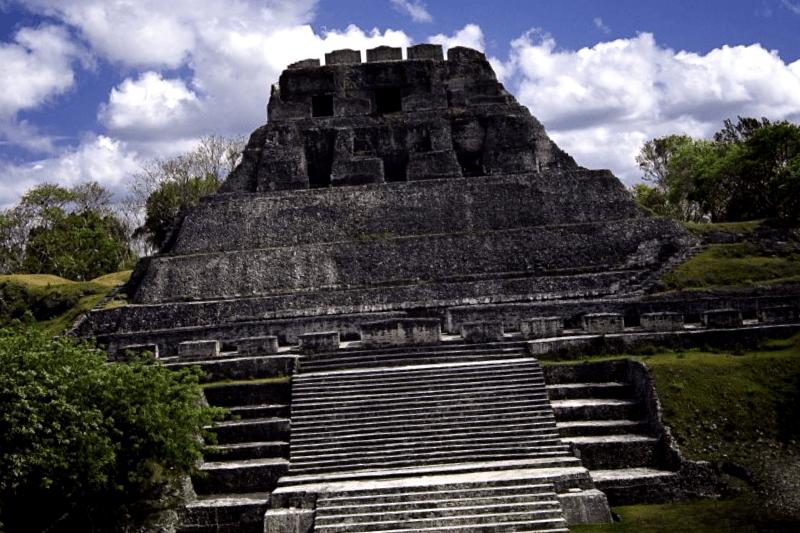 Conocer El Castillo de Xunantunich