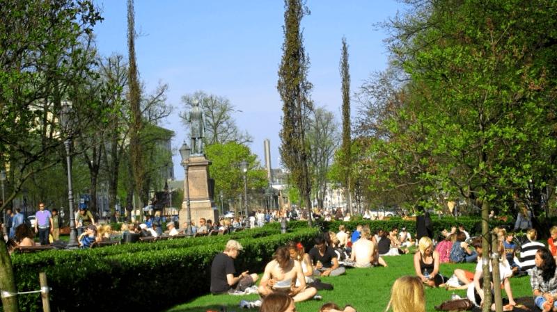 Ver Finlandia y maravillarse de Esplanade Park