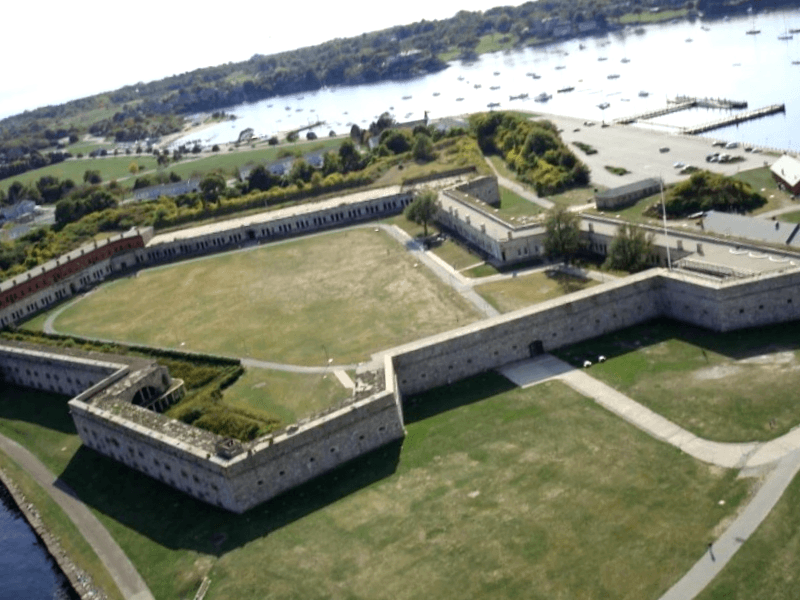 Visitar Fort Adams