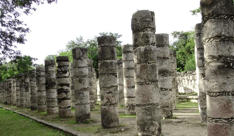 Grupo de las mil columnas que ver