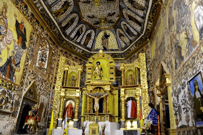 Visitar Iglesia Santiago de Curahuara de Carangas