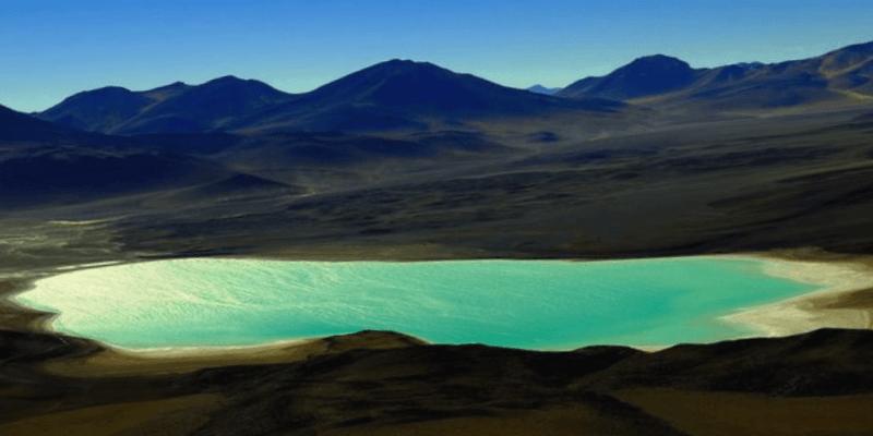 Ver Bolivia y maravillarse de Laguna Verde