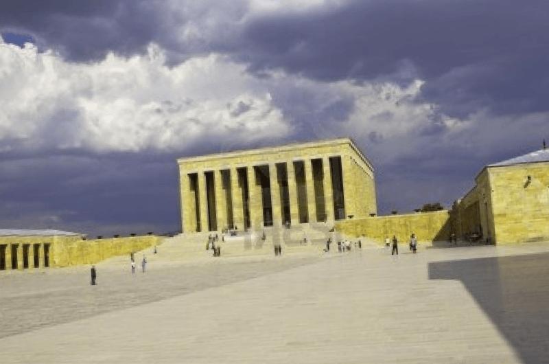 Mausoleo de Ataturk que debemos ver