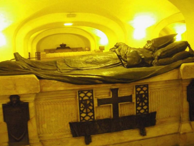 Conocer Italia y descubrir de Mausoleo de los Papas