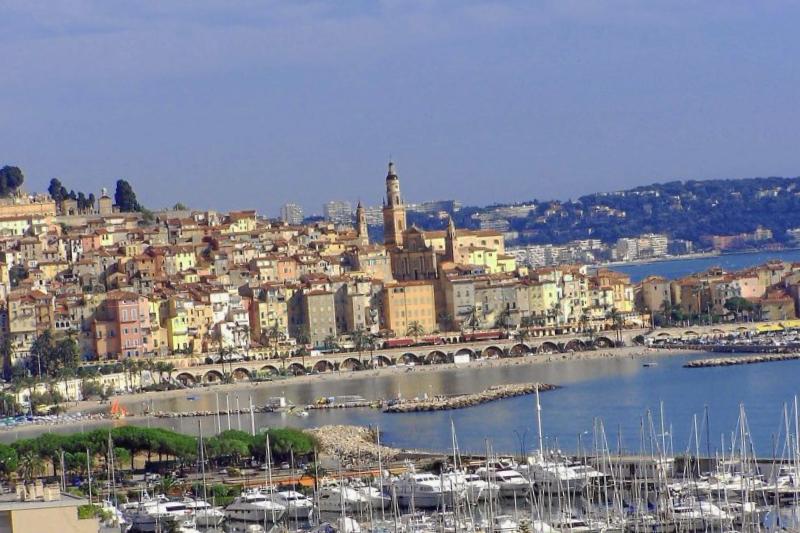 Visitar Francia y maravillarse de Menton