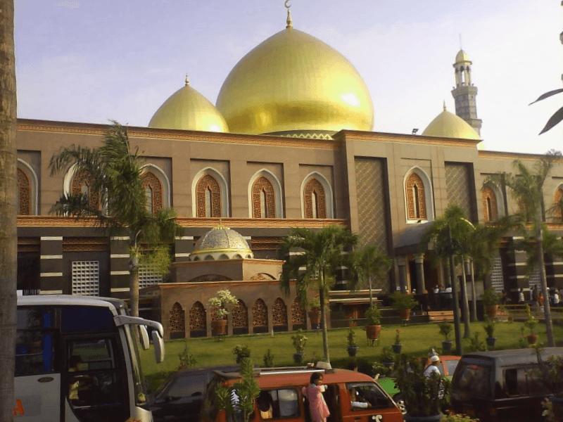 Visitar Indonesia y maravillarse de Mezquita de Kubah Mas